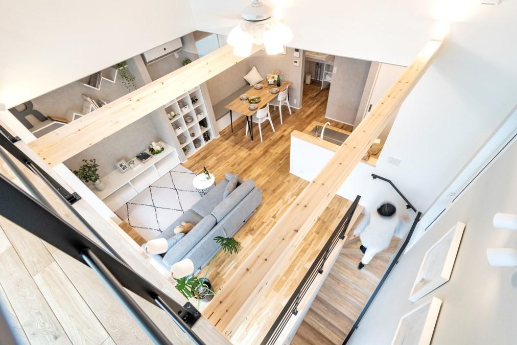 狭小エリアに建つかっこいい家